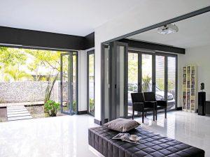 Six raisons pour lesquelles votre maison a besoin d'une porte pliante